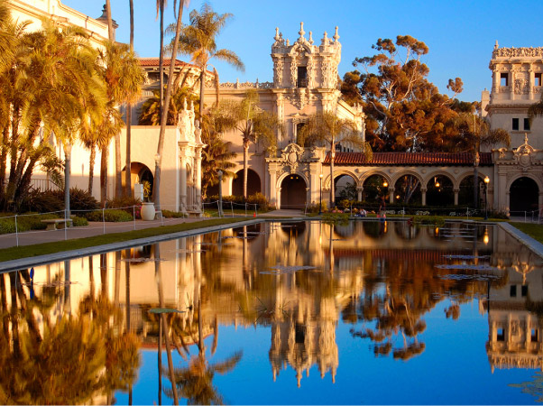 La Jolla Attraction with large reflecting pool